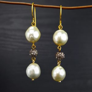 ER-107c Cream South Sea Pearls 18kt Gold Beads with Diamond Pave and Wire