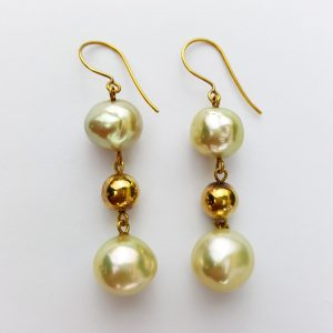 ER-94a Beautiful Creamy Gold Baroque Pearls 18kt Bead and Wire