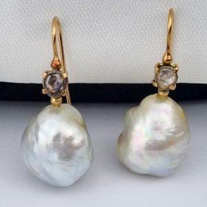 ER-125 Big Pearl Earrings